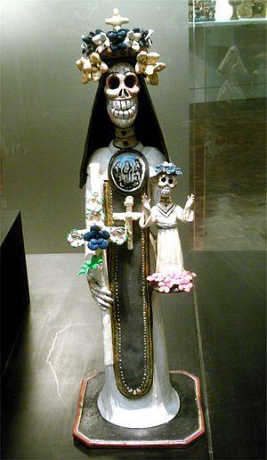 Artesanía mexicana del día de muertos, monja c...