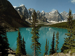 Moraine Lake, Banff National Park, Alberta, Ca...