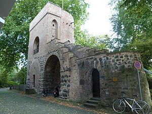 Deutsch: Ansicht von der Stadtseite; 13./15. J...