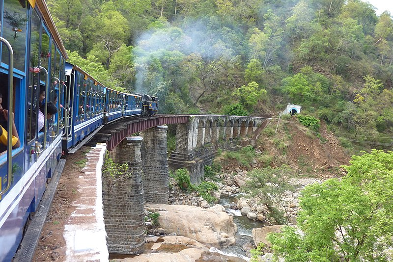 800px-nilgiri_mountain_railway_on_bridge2c_may_2010