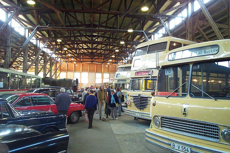 Datei:DTMB Depot Busse 031115.jpg