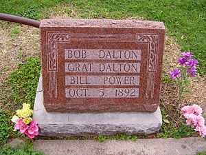 English: Grave of Bob Dalton, Grat Dalton and ...
