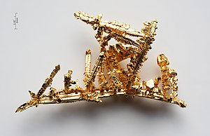Synthetic made gold crystals by the chemical t...