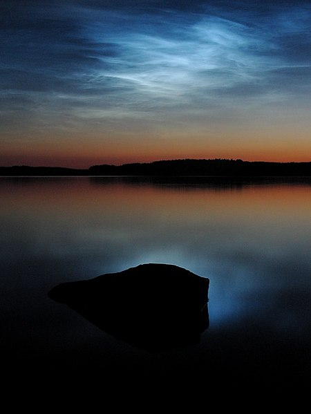 File:Noctilucent clouds over saimaa.jpg
