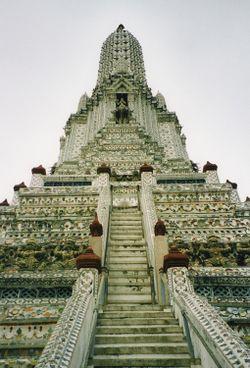 Torre principal de Wat Arun