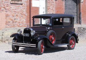 English: 1931 Model A Ford Deluxe Tudor Sedan ...