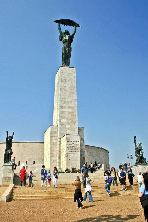 Liberty Statue Budapest - Wikipedia