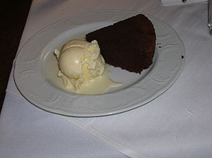 English: deflour rhum chocolate cake and vanil...