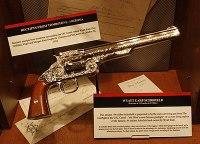 Replica della pistola calibro .44 modello Schofield utilizzata da Wyatt Earp durante la celebre sparatoria all'O.K. Corral