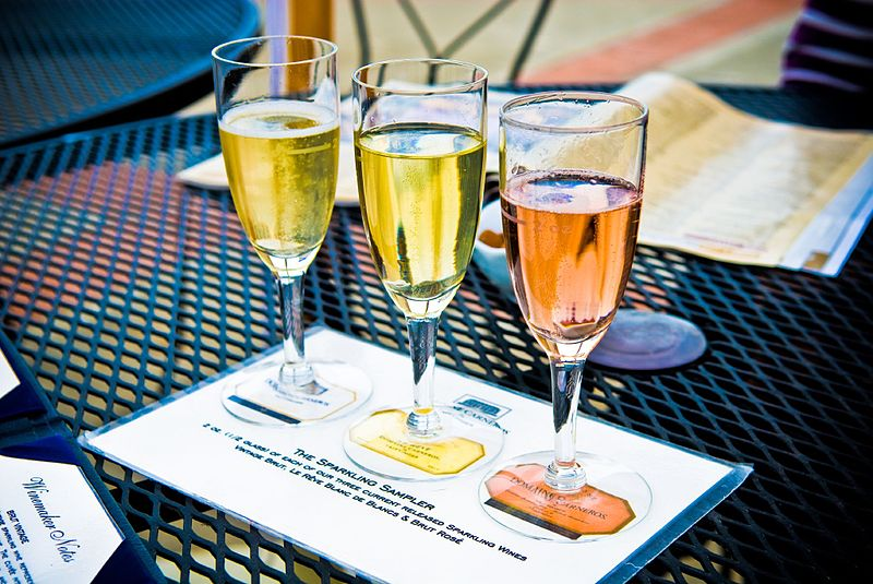 File:Domaine Carneros sparkling wines.jpg