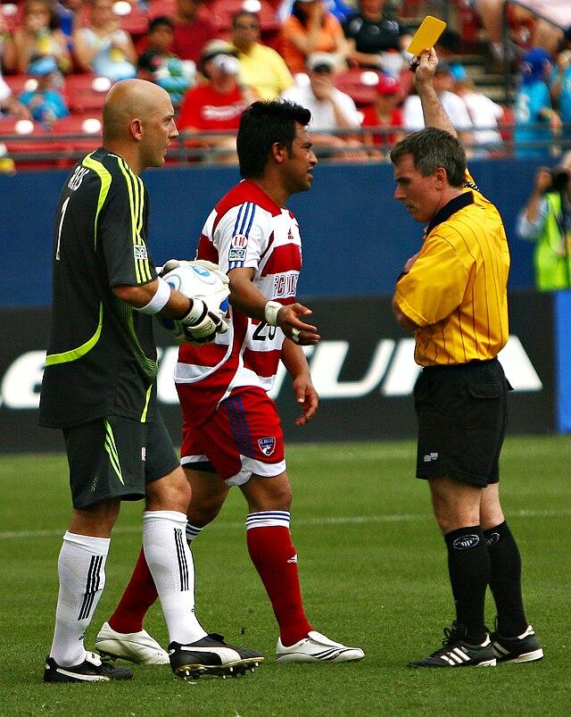 Macam Pelanggaran Sepak Bola : macam, pelanggaran, sepak, Pelanggaran, Tindakan, Menyimpang, (sepak, Bola), Wikiwand