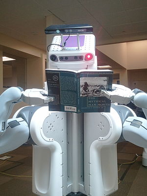 English: PR2 Robot at Willow Garage in Menlo P...