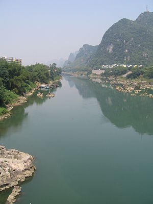 English: The Long Jiang in Yizhou.