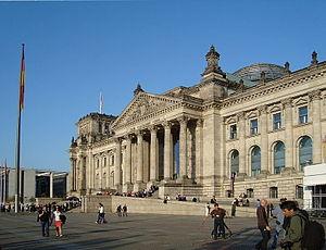 English: Building in Berlin, Germany. Portuguê...
