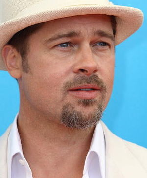 English: Brad Pitt at the Burn After Reading p...