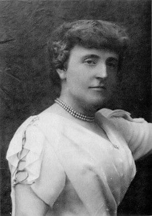 en: Frances Burnett, part of a photograph by H...
