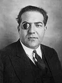 https://i0.wp.com/upload.wikimedia.org/wikipedia/commons/thumb/d/db/Xavier_Vallat.jpg/200px-Xavier_Vallat.jpg