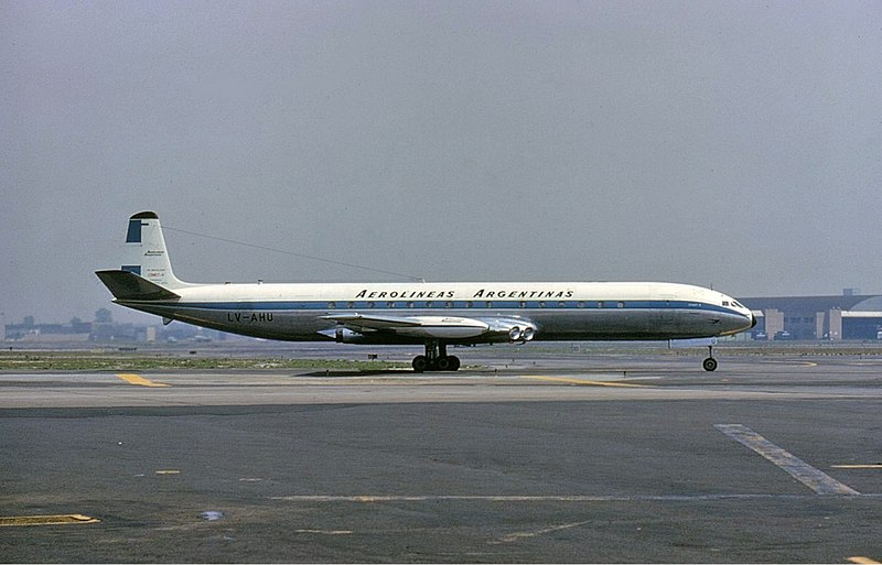 An Aerlineas Argentinas De Havilland Comet
