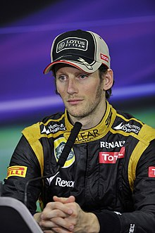 https://i0.wp.com/upload.wikimedia.org/wikipedia/commons/thumb/d/dc/Romain_Grosjean_Bahrain.jpg/220px-Romain_Grosjean_Bahrain.jpg