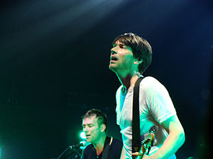 English: Damon Albarn and Alex James of Blur o...
