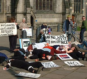 English: Anti-war die-in in Sheffield, UK. Pho...
