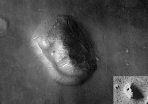 Mars Reconnaissance Orbiter image by its HiRIS...