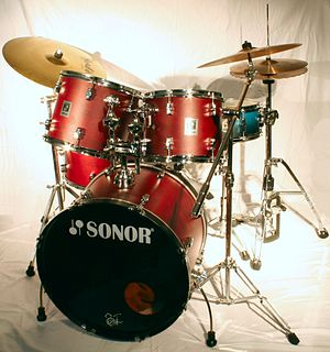 Drum-Set (made by Sonor), Cymbals by Headliner...