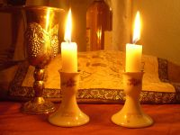 Shabbat candles - Wikipedia