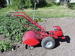 English: TroyBilt 2- speed Horse rototiller wi...