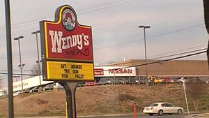 English: Picture of a Wendy's in Charlotte NC.