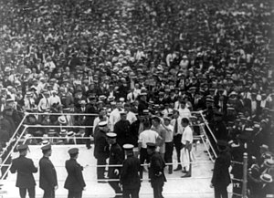 English: Jack Dempsey and Georges Carpentier i...