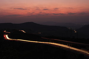 English: Mumbai Pune expressway as seen from K...