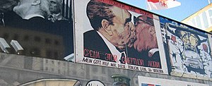 """""""In Italia il crollo del muro di Berlino non h..."""