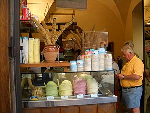 An ice cream stall on Ponte Vecchio, Florence