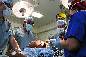 Sanjay Gupta & medical team prepare for brain ...