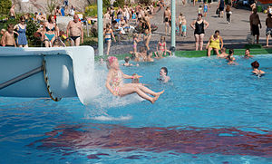 English: Water slide in water park Serena in E...