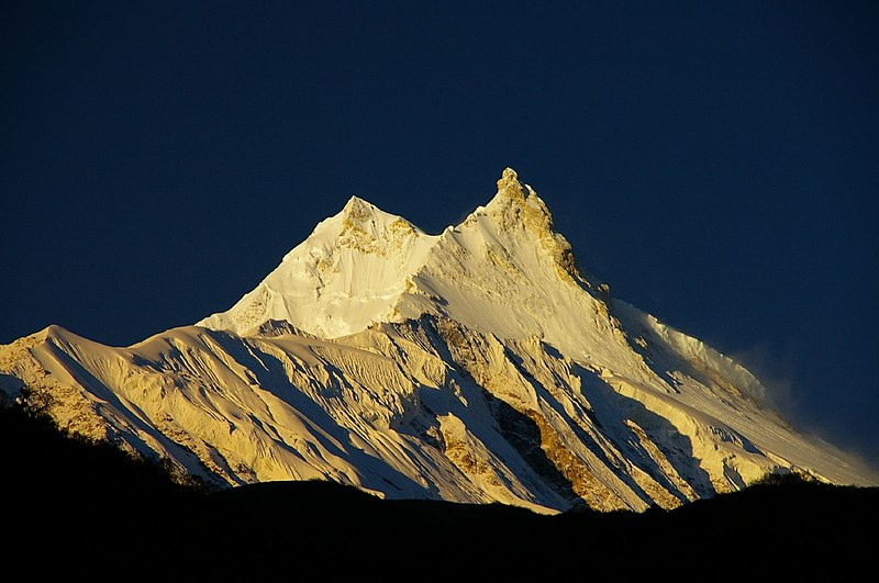 File:Sunrise, Manaslu.jpg