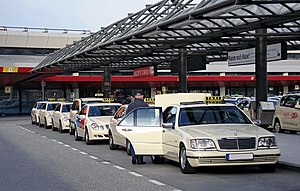 Mercedes S-Class (W140) Taxi at Airport Berlin...