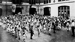 English: The Bellamy salute is the salute desc...