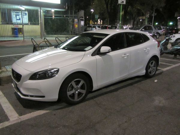 Volvo V40 White Business - Year of Clean Water