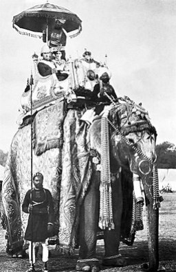 George Curzon and Mary Curzon on the elephant Lakshman Prasad 1902-12-29 in Delhi