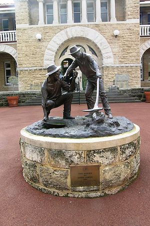 Statue in front of Perth Mint