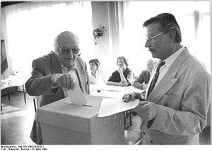 Bundesarchiv Bild 183-1990-0318-021, Berlin, V...