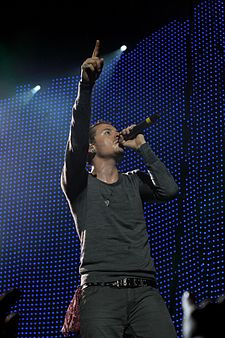 Chester Bennington, vokalis Linkin Park, saat konser di The Globe Arena di Stockholm, Swedia.