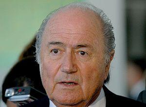 Português: Joseph Blatter, da Fifa, fala à imp...