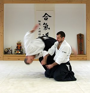 Shihōnage technique performed in