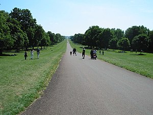 English: The Long Walk, Windsor. This photo is...