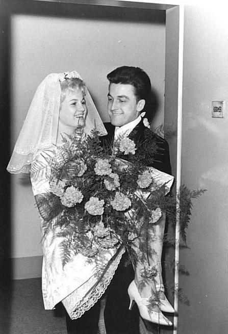 File:Bundesarchiv Bild 183-B1109-0017-001, Dresden, Heirat Ingrid Krämer, Hein Engel.jpg