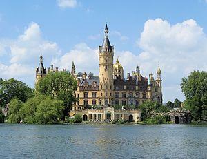 Bundesgartenschau 2009 - Schwerin Castle seen ...