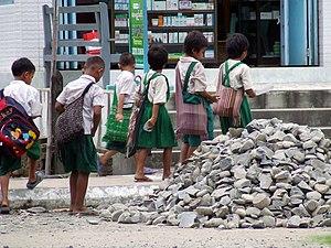 English: Students in Kalaymyo, Myanmar